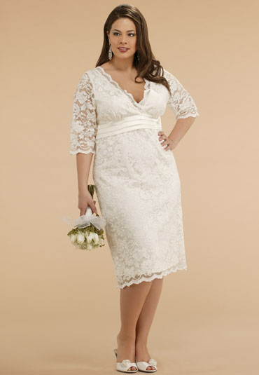 kiyonna, vintage lace plus-size wedding dress