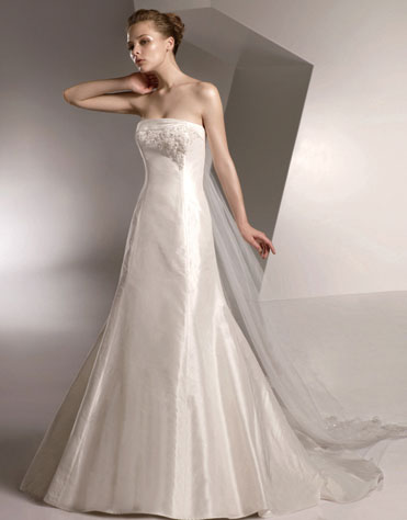 Ajolique 2010 strapless bridal gown #2103