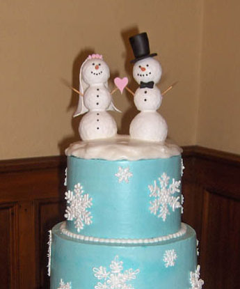 Winter Wedding Decorations on Bride Ca   Wedding Cake Toppers 101    Types  Variations   Ideas