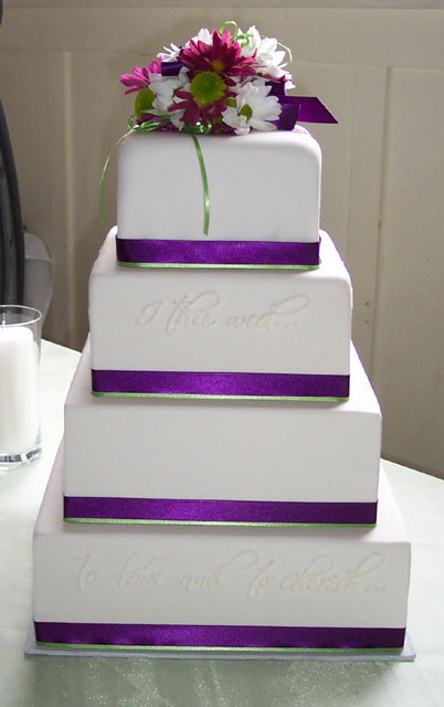 Brideca Wedding Cakes 101 Part VII Pros And Cons Of Fake - Wedding Cake Dummy