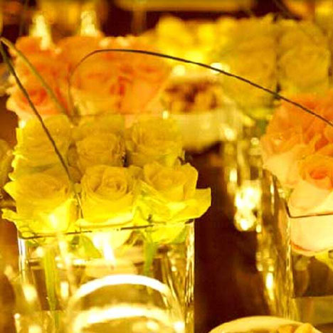 square-shaped floral wedding centrepiece 2