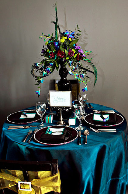 the peacock wedding table decoration