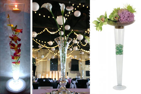 Various ideas for wedding centrepieces with fluteshaped glass vases