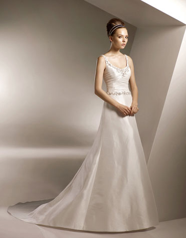 Simple Wedding Dresses in Canada, 2010: Anjolique A-line