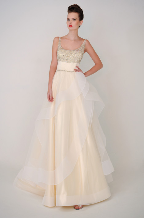 Wedding dress with scoop neckline. Style Bridget by Eugenia Couture.