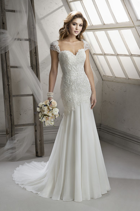 Wedding dress with cap sleeves. Style Summer by Sottero and Midgley.