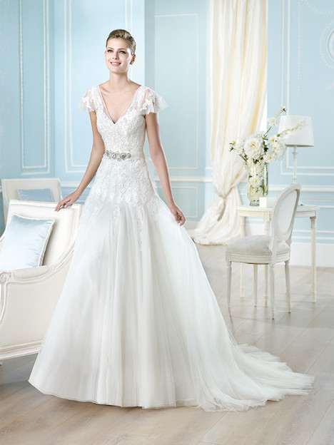 Wedding dress with flutter sleeves. Style Haldis by St. Patrick.