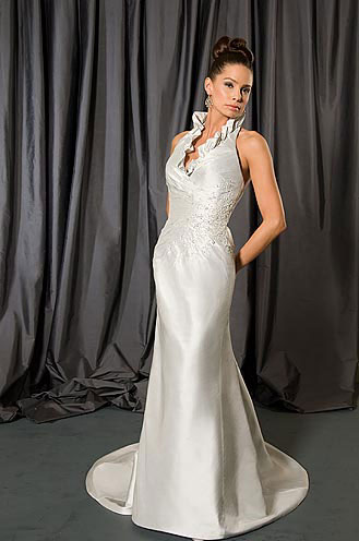 2010 Alfredd Sung wedding gown 6752