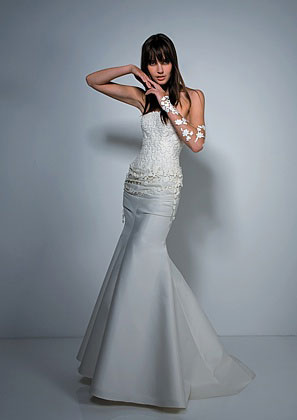 2010 Cymbeline Paris Cantara wedding gown