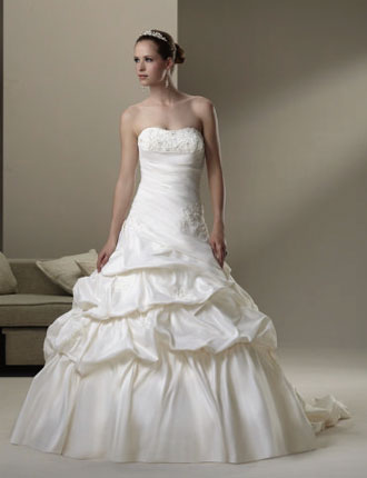 2010 Sincerity bridal gown 3559