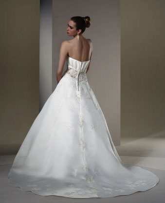 2010 Sincerity bridal gown 3561