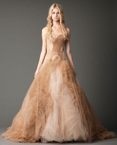 Vera wang fall 2012 the black magic collection for Wedding dresses in color