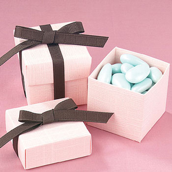 Wedding favors: DIY containers