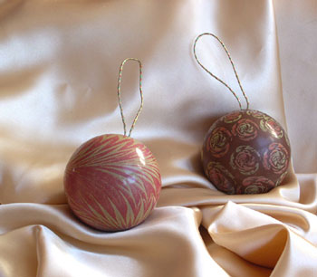 Chocolate wedding ornament - perfect for holiday weddings favours