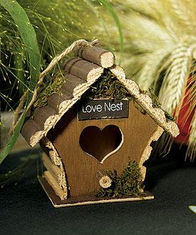 """love nest""! A birdhouse wedding centerpiece"