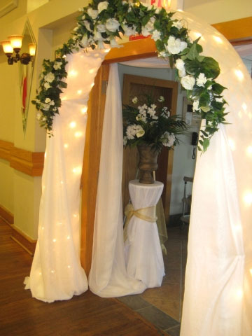 Decorating Wedding Arches
