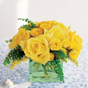 modern and simple: yellow, DIY wedding centerpiece