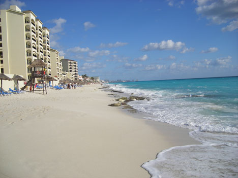 Tropical Honeymoon Destinations: Hotel beach in Cancun