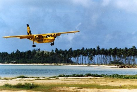 Winter Honeymoon Destination: Seaplane in Fiji