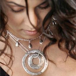 Om-drop silver necklace