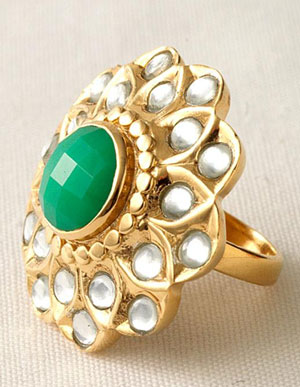 Bridesmaids Jewellery: Saveen flower gold & jade ring