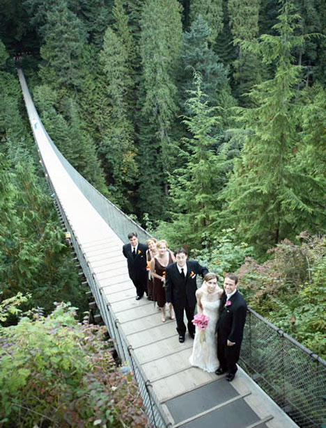 Wedding on the Capilano suspension bridge