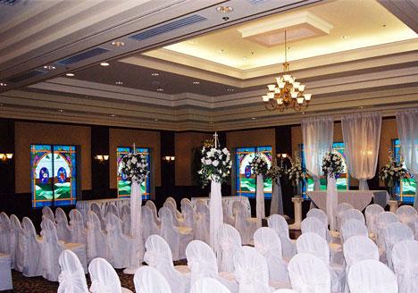 Casablanca Inn, Ontario: wedding at the on-site chapel