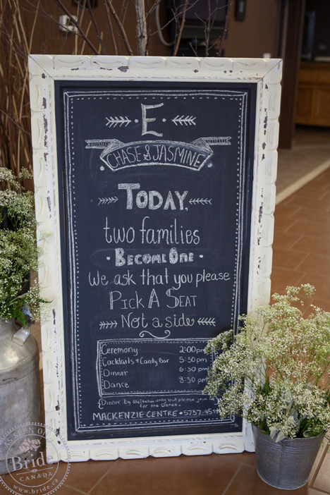 Rustic vintage chaulkboard sign, welcoming wedding guests