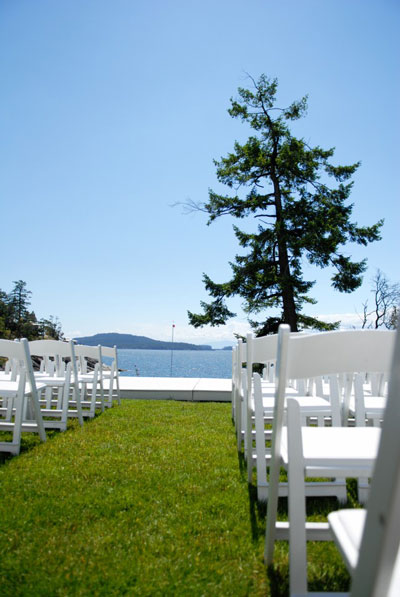 an unfogettable setting for an outdoor, seaside wedding
