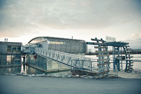 One of the most modern wedding reception venues in Vancouver: the UBC Boathouse on the Fraser River
