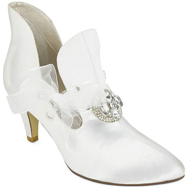 Lizbeth, cool granny-style wedding shoes