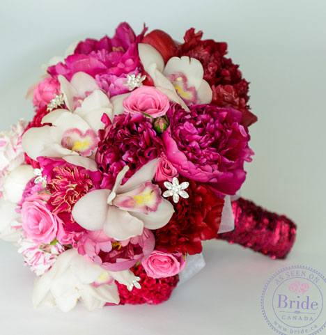 Red & fucsia summer bridal bouquet