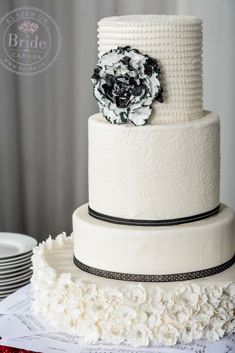 Black & White tiered wedding cake