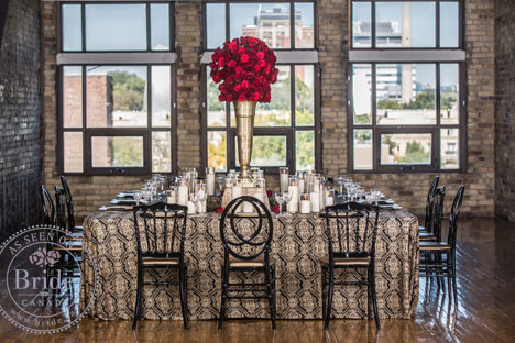 luxurious table setting, gold and red