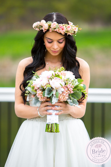 Gorgeous Bridal Bouquet and matching floral mini-roses crown