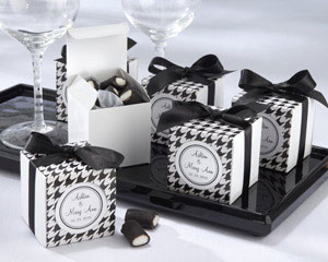 Black & White wedding favour boxes