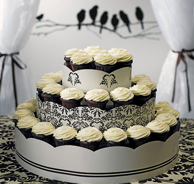 Wedding cupcakes display ideas black amp white wedding cupcake