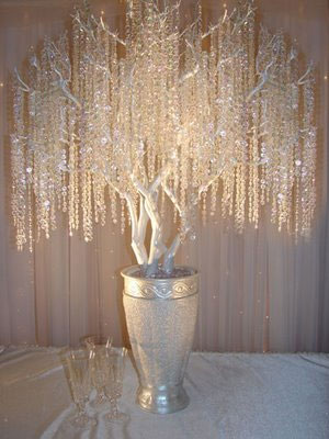 idea MustLoveWeddings White and silver