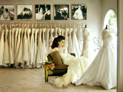 be25b1c93 bride.ca | Wedding 101 : 10 Tips on Picking your Wedding Dress