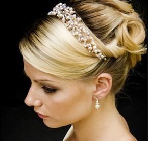 Pearl bridal hair band