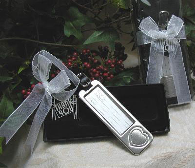 Luggage Tug wedding favour