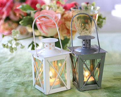Mini lanterns wedding favours