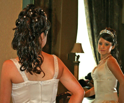 Half-Up bridal hairstyle by Calgary's In Motion Style