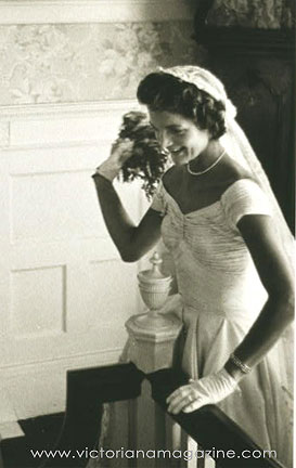 bridal fashion: Jacqueline Kennedy gloves