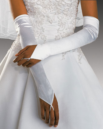 bridal fashion: gloves