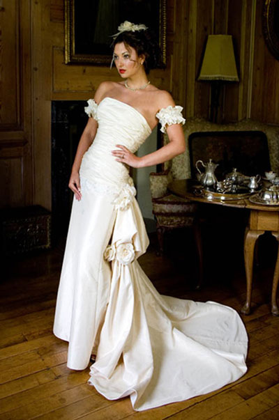 bridal gown from Qomis