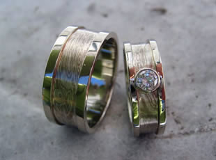eco-chic engagement & wedding ring