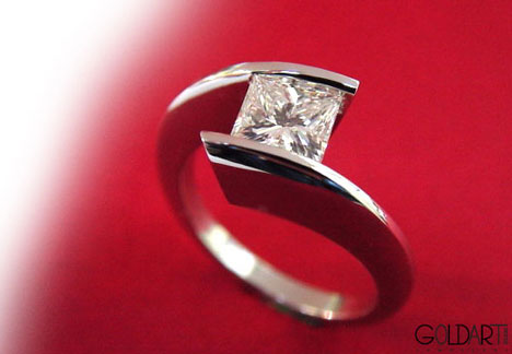 princess-cut platinum enagement ring