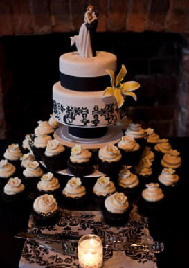 wedding cake and cupcakes together ca classic wedding colours black amp white 21736
