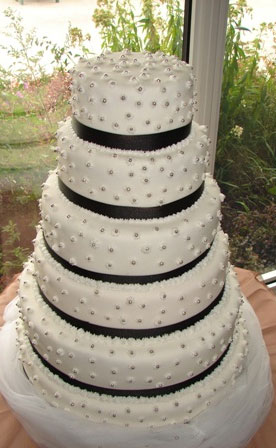 faux wedding cake vancouver ca classic wedding colours black amp white 14216